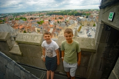 Boys-on-Cloth-Hall-tower
